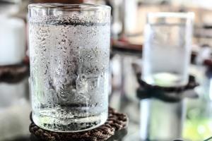 بعد از نوشیدن آب یخ بدن دچار چه مشکلاتی می شود؟