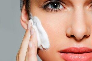 پاک کننده صورت مناسب برای پوست های خشک و چرب