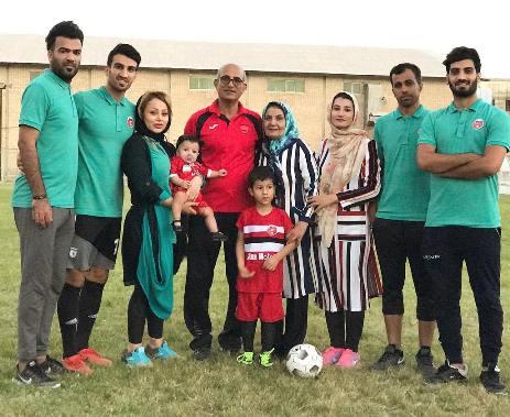 اعضای خانواده ماهینی در آکادمی فوتبال حسین ماهینی