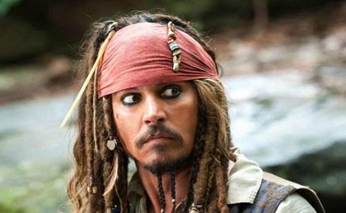 کاپیتان جک اسپارو/ فیلم «دزدان دریایی کارائیب» با بازی جانی دپ