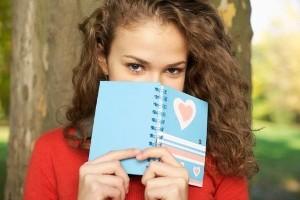 دختری 16 ساله و به شدت عاشق پسری 20 ساله شده ام!!!