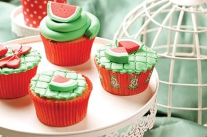 تزیین شب یلدا، این بار با کاپ کیک هندوانه ای خانگی!!
