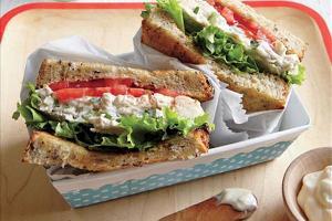 یک ساندویچ سریع و فوری برای شام خانم های کارمند!!