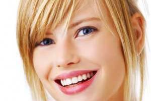 سفید کردن دندان به روش هالیوددی ها!!