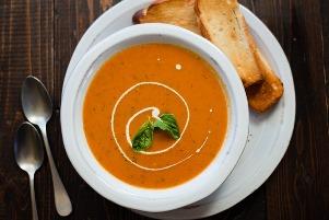 سوپ گوجه فرنگی و ریحان، یک سوپ نیم ساعته پاییزی