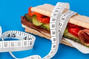 کوچک کردن شکم : با این میان وعده ها گرسنگی تان را سرکوب و شکم تان را کوچک کنید