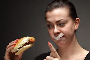 خوردن این مواد غذایی با معده خالی ممنوع