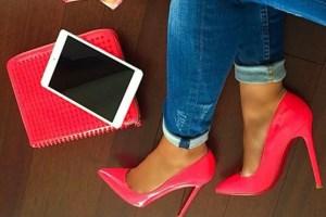 برای عید امسال کفش های رنگی را با چه لباس هایی ست کنیم