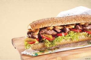گوشت گوساله یکی از گوشت هایی است که درست کردن آن ترفند خودش را دارد. در این مقاله به شما می گوییم که ترفندهای درست کردن یک گوشت گوساله خوش طعم و خوشبو چیست؟