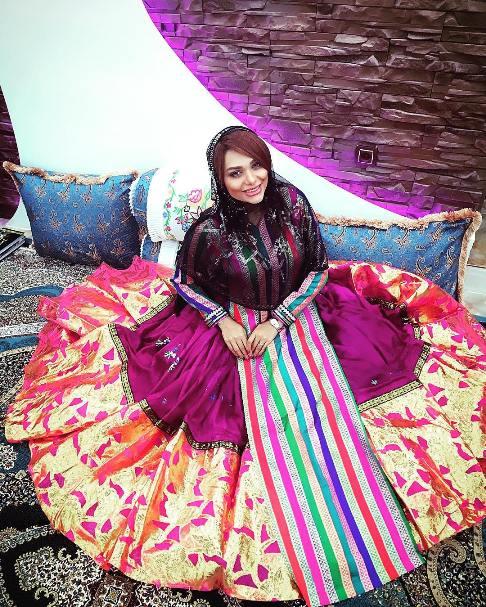 نسیم نهالی با لباس محلی شهر جم بوشهر