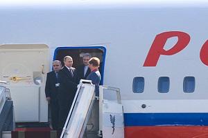 حاشیه های حضور پوتین در ایران، از مهماندار بی حجاب تا هدیه ویژه به رهبر