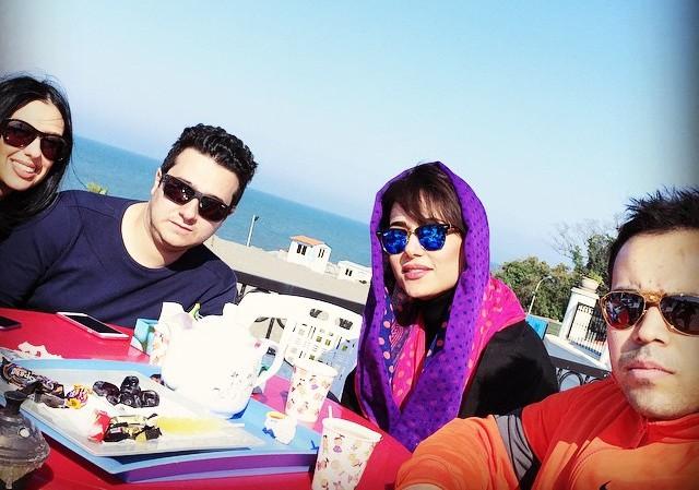 پریناز ایزدیار و دوستانش در یک دهکده ساحلی!