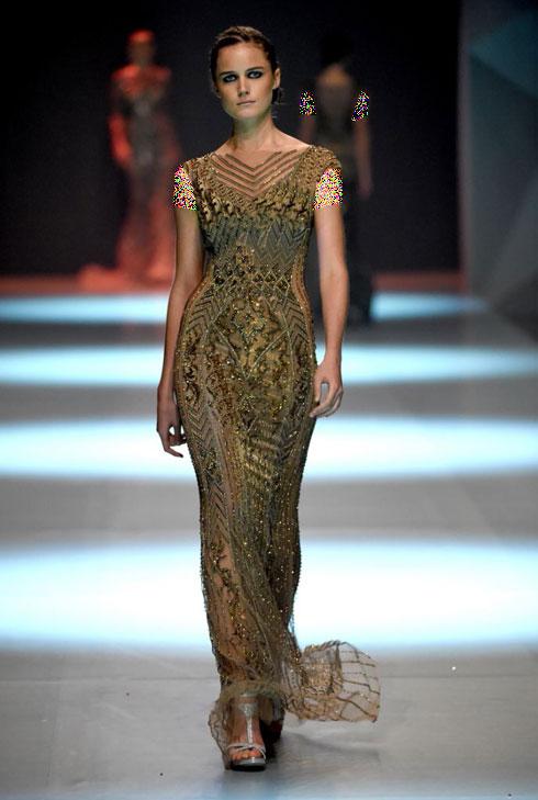 مدل لباس شماره 16 از کلکسیون بهاره - تابستانی 2015 دانی تابت Dany Tabet