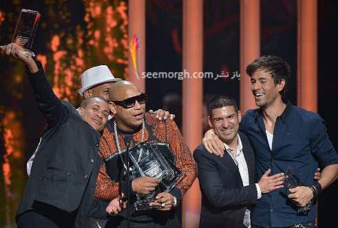 خوانندگان در مراسم جوایز موزیک بیلبورد لاتین 2015