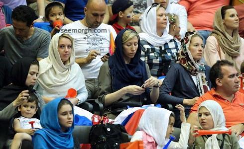 زنان هوادار والیبال روسیه در ورزشگاه آزادی