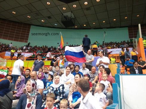 هواداران والیبال روسیه در ورزشگاه آزادی