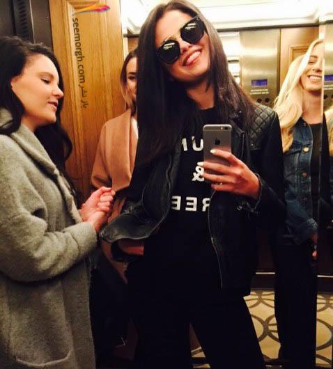سلنا گومز و دوستانش در آسانسور!