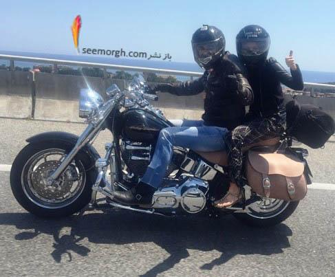 شکیرا و پیکه در حال موتور سواری