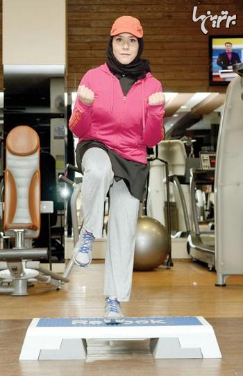 شكم پا جمع با استپ به همراه جلو بازو برای عضلات جلو بازو، شكم و ران2