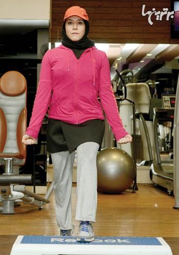شكم پا جمع با استپ به همراه جلو بازو برای عضلات جلو بازو، شكم و ران 1