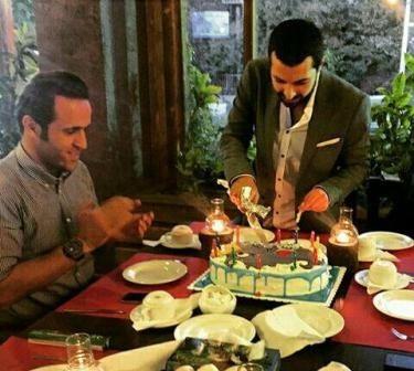 عکس علی کریمی در جشن تولد اشکان خطیبی
