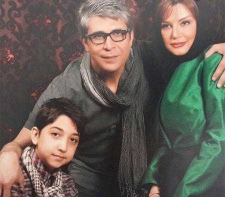 امیر غفارمنش در کنار همسر و فرزندش