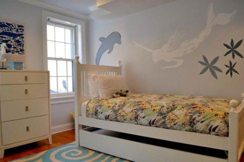 دکوراسیون اتاق کودک با طرح دلفین و پری دریایی
