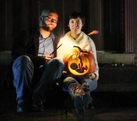 اعلام خبر بارداری در شب هالووین