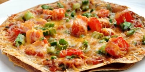 پیتزا با نان ذرت برای کسانی که رژیم لاغری دارند