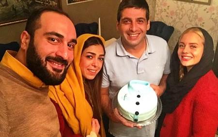 حمید گودرزی در کنار همسر و خواهرش