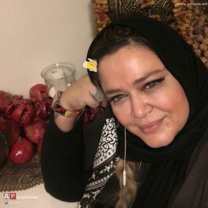 بهاره رهنما پای سفره شب یلدا ۹۴