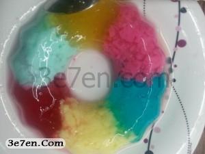مرحله سوم درست کردن ژله رنگین کمانی سه سوته