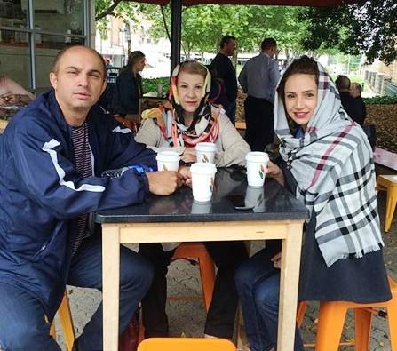 عکس شبنم قلی خانی در کنار همسر و مادرش