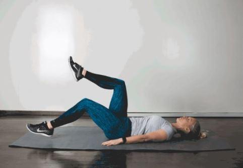 حرکت Heel Tap برای کوچک کردن شکم