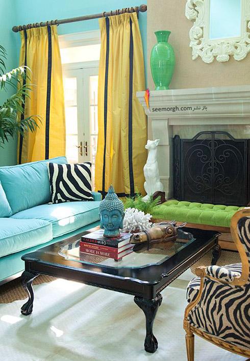 پرده زرد متمایل به طلایی برای دکوراسیون داخلی با مبلمان آبی فیروزه ای