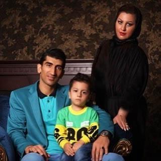 علیرضا بیرانوند در کنار همسر و پسرش