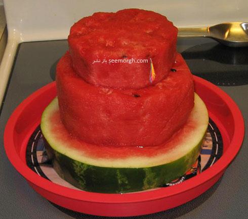 مرحله چهارم درست کردن کیک هندوانه ای برای شب یلدا