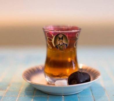 فنجان های شاه عباسی برای تزیین سفره شب چله