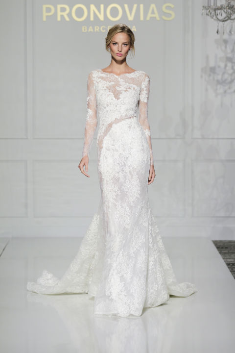 لباس عروس بلند در هفته مد لندن - مدل شماره 8