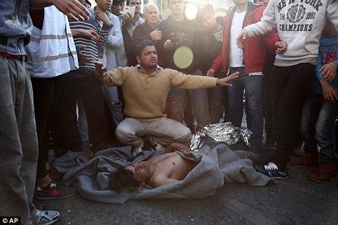 عکس خودکشی زندگی در اروپا پناهندگی به اروپا اخبار یونان اخبار خودکشی اخبار پناهندگی