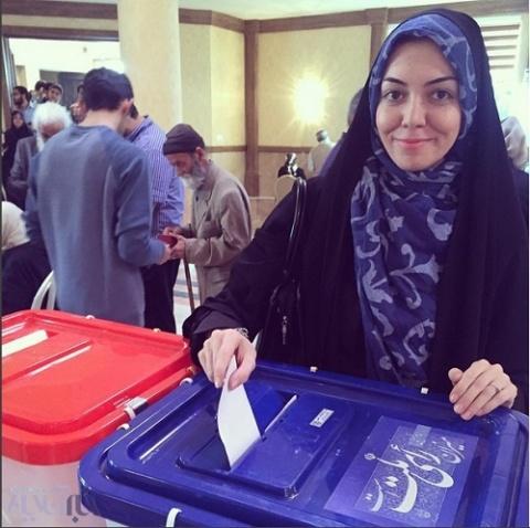 حضور آزاده نامداری در انتخابات