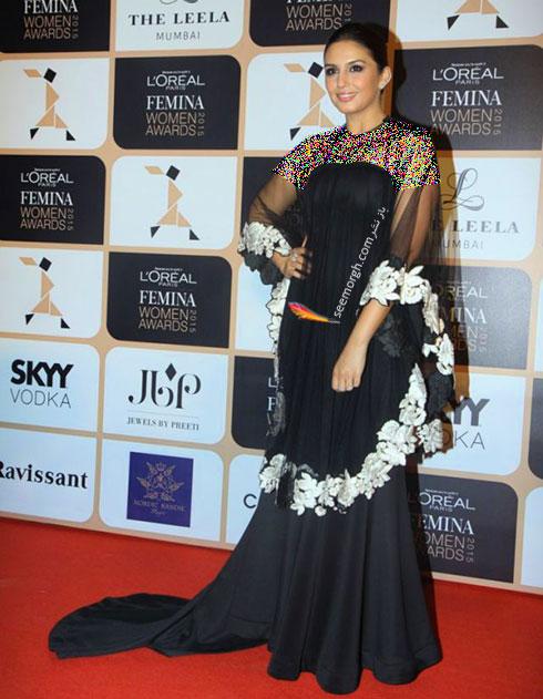 مدل لباس هما قریشی Huma Qureshi روی فرش قرمز بالیوود - مدل شماره 4
