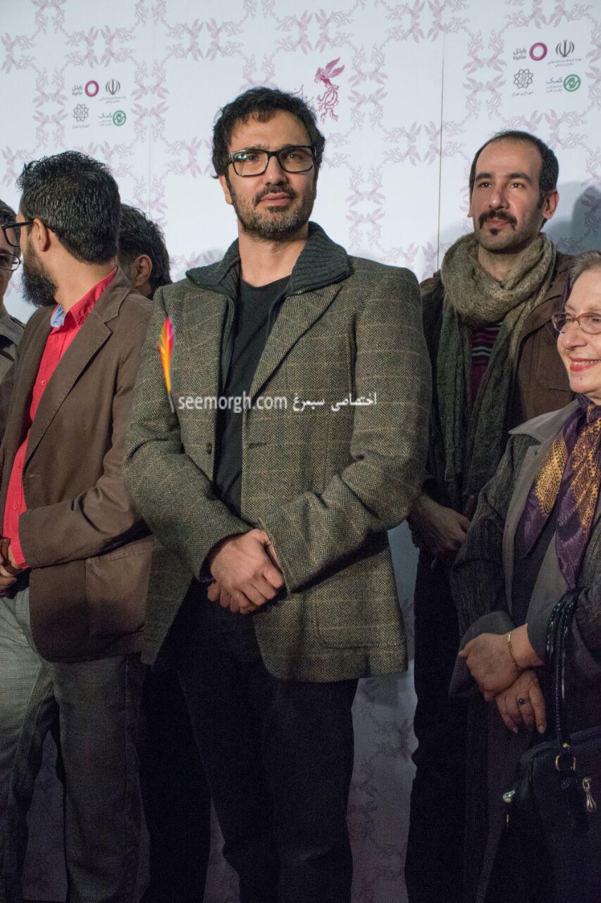 مدل لباس محمدرضا فروتن در اولین روز سی و چهارمین جشنواره فیلم فجر