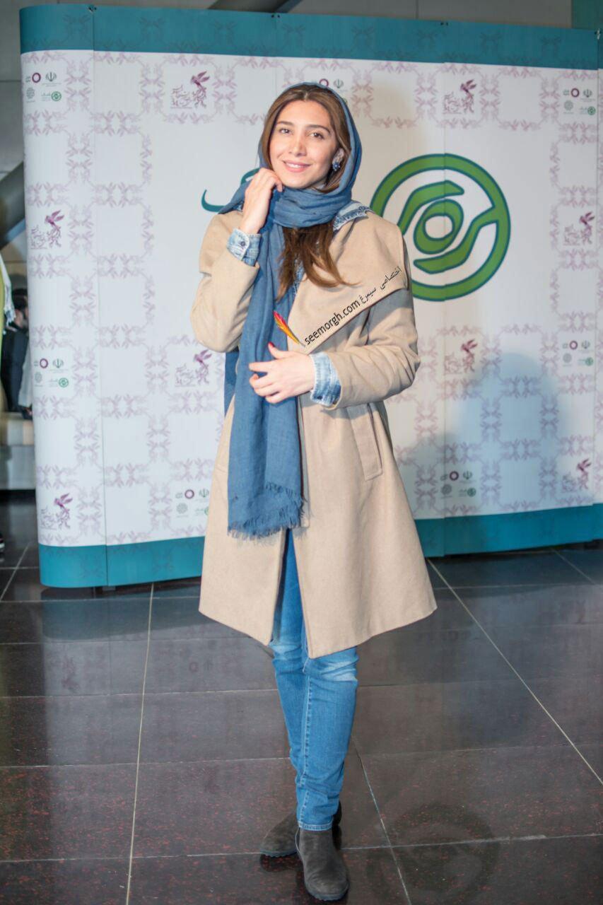 مدل لباس نیکی مظفری در دومین روز سی و چهارمین جشنواره فیلم فجر