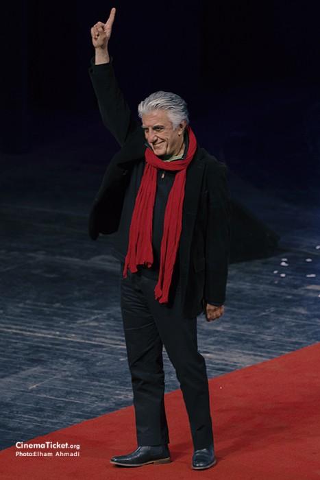 مدل لباس رضا کیانیان در سی و چهارمین جشنواره فیلم فجر