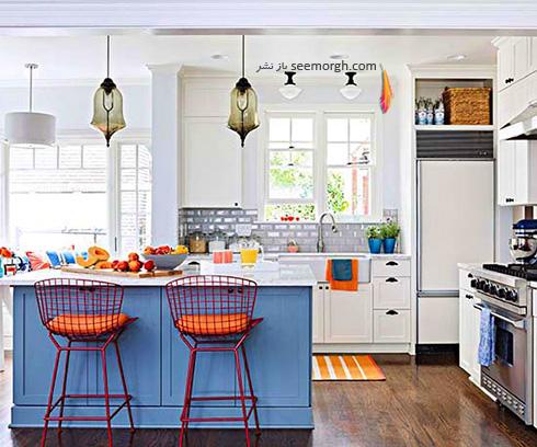 ترکیب آبی پر رنگ و نارنجی، یک ترکیب رنگی پرانرژی برای یک آشپزخانه بهاری