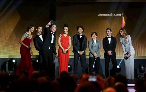 عکس سلفی جالب مجری مراسم توپ طلای 2015