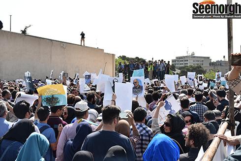 مردم در مراسم عباس کیارستمی
