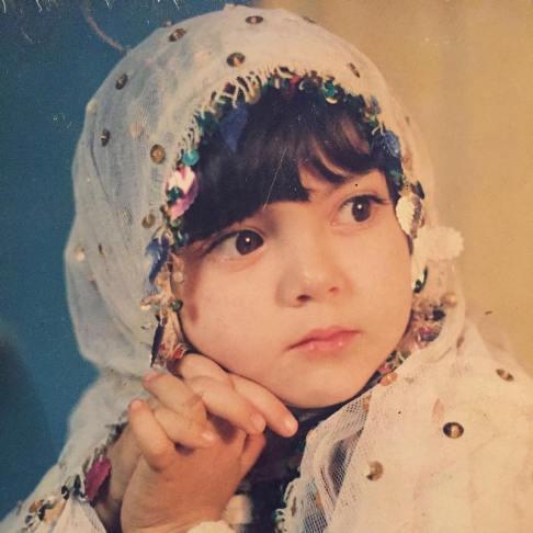 عکس آزاده نامداری در کودکی