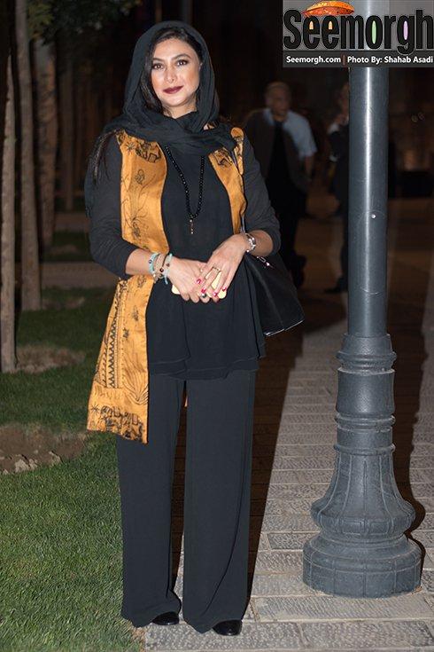 مدل لباس آزاده صمدی در جشن خانه سینما